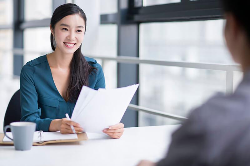 """10 câu hỏi phỏng vấn nhà tuyển dụng thường dùng để """"bắt bài"""" tính cách ứng viên"""
