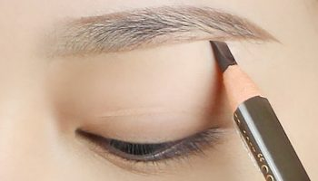 4 loại bút kẻ lông mày dạng xăm giúp chị em đẹp như phun thêu ở spa