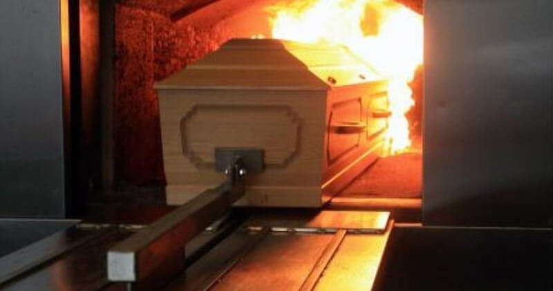 Hỏa táng có làm người chết bị nóng?