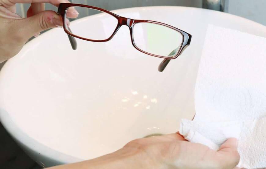 6 mẹo giúp bạn vệ sinh kính mắt sạch và sáng tức thì