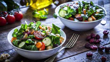 Cách làm 6 món salad từ dưa chuột giải ngán cho ngày Tết
