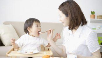Chế độ dinh dưỡng để bé không ốm vặt