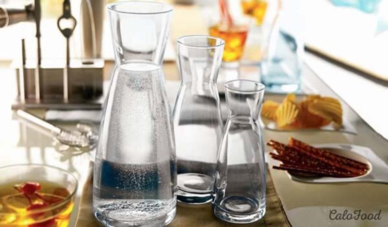 Chọn loại cốc thủy tinh thì sạch sẽ, an toàn, không bị ám mùi khi sử dụng