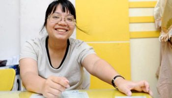 """""""Cô giáo cung Bọ Cạp"""": từ chối học bổng đi du học để chuyên tâm dạy học sinh"""