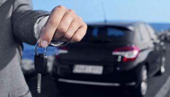Dịch vụ thuê xe tự lái tăng giá gấp rưỡi