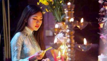 Lý giải thói quen thắp ba nén nhang khi cúng lễ của người Việt