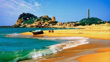 Mơ màng ngắm Mũi Kê Gà từ ngọn hải đăng cổ xưa nhất Đông Nam Á