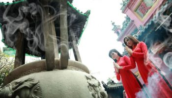 Những điều chúng ta dễ phạm phải khi đi lễ đền chùa ngày đầu năm