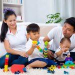 Những trò chơi phát triển thể chất và trí thông minh cho trẻ 0-1 tuổi