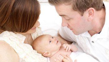 Vợ chồng trẻ sinh con cần chuẩn bị bao nhiêu tiền?