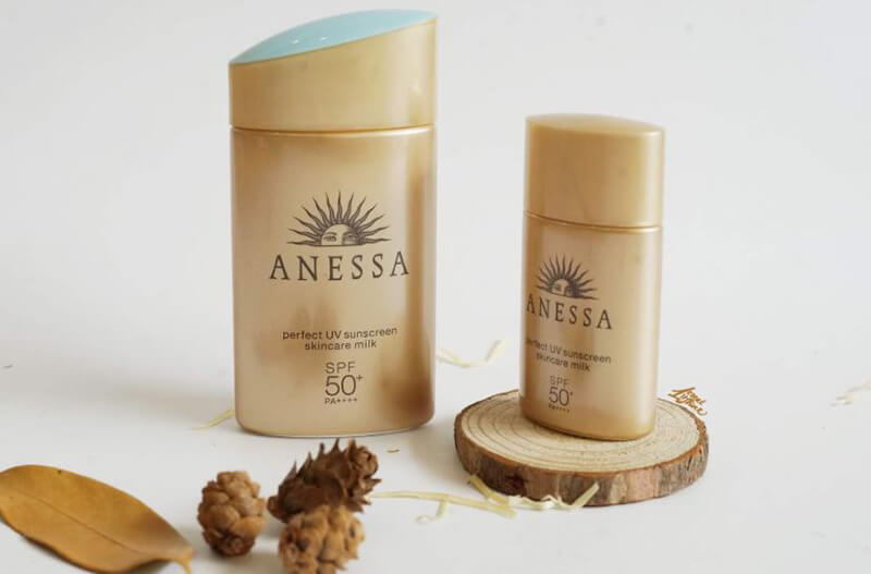 Kem chống nắng Anessa Perfect UV Sunscreen Skincare Milk SPF 50, PA++++