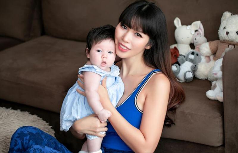 Cung Quan của con gái chị có hai sao Đào Hoa, Hồng Loan là sớm có công danh, mọi sự may mắn
