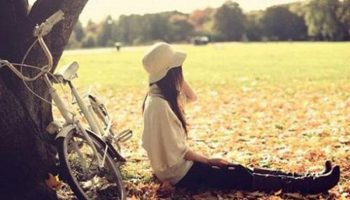 Tử vi của bạn gái Nhâm Thân trắc trở đường tình duyên có gì?