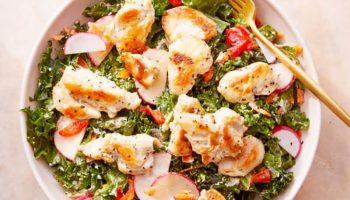 Salad ức gà ngon miệng cho các nàng đang giảm cân