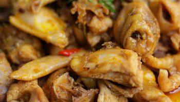 Thịt gà xáo măng