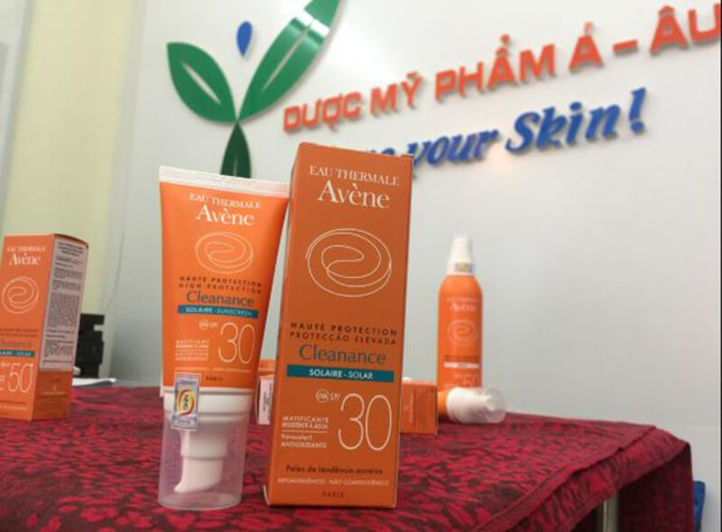 Kem chống nắng Avene Very High Protection Cleanance Sunscreen SPF 30+