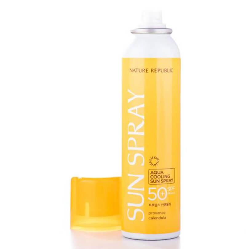 Xịt chống nắng Provence Calendula Aqua Cooling Sun Spray cũng là một sự lựa chọn cho những bạn thích sự tiện dụng