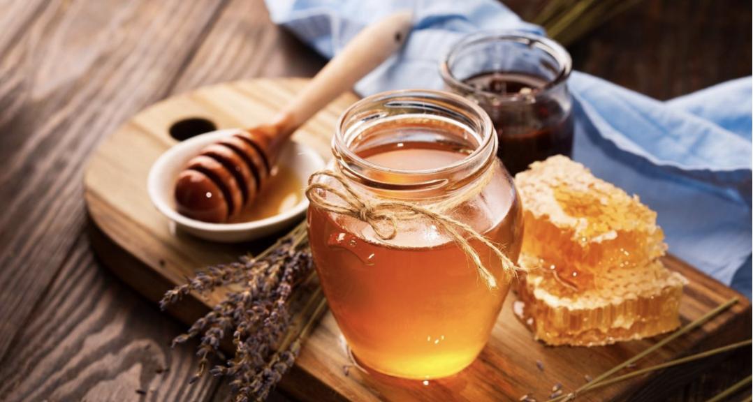 Mật ong với nước ấm : Cách pha - tác dụng - thời gian uống 2