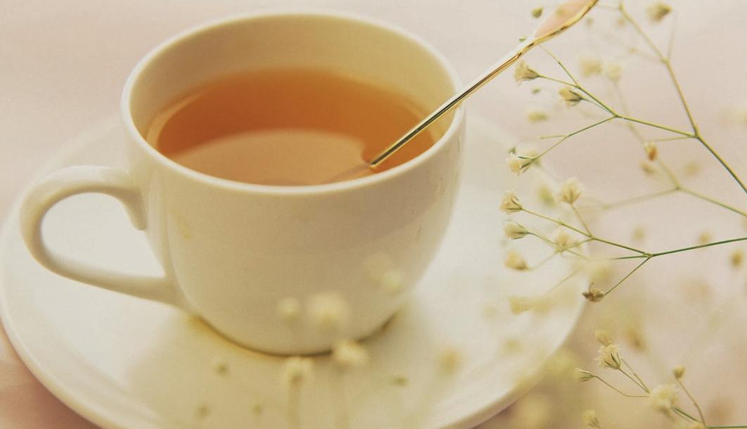 Mật ong với nước ấm : Cách pha - tác dụng - thời gian uống 1